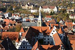 Blick vom Turm der Stiftskirche in Tübingen auf das Wilhelmsstift und die Altstadt (nach Norden); Copyright: Roman Eisele / Wikimedia Commons / CC-BY-SA-3.0 & GFDL ? 1.2